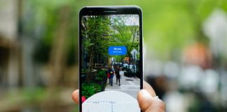 How to navigate with the AR mode in Google Maps to find your way