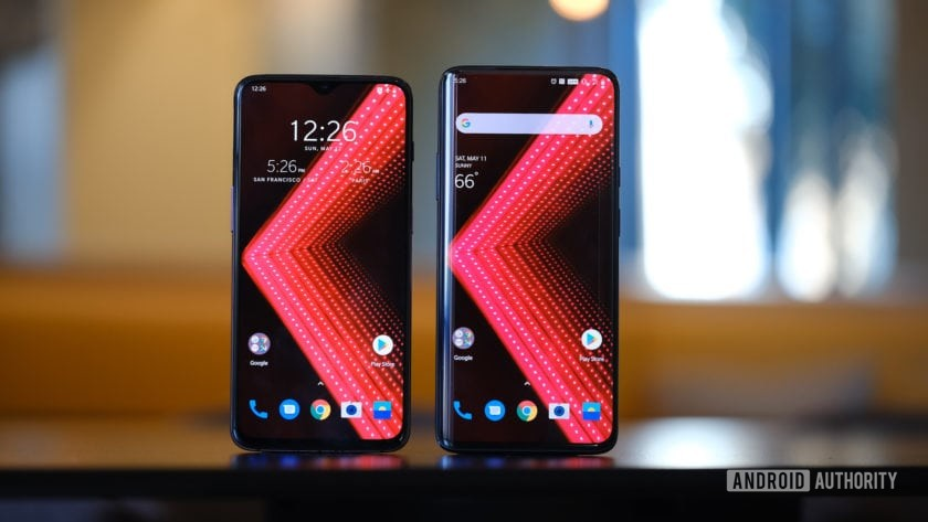 OnePlus 7 Pro vs OnePlus 6T upright on table (2)