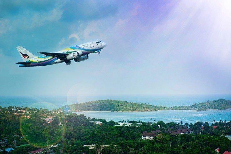 airplane-take-off-water.jpg?itok=XGtpSlb