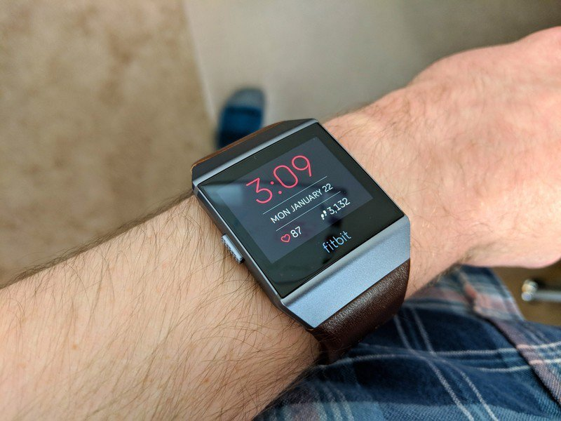 fitbit-ionic-moment-watch-face.jpg?itok=