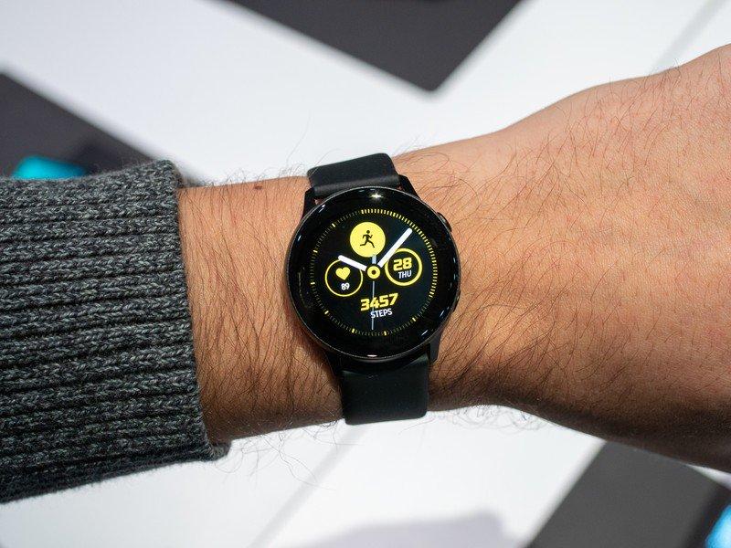 galaxy-watch-active-black-5.jpg?itok=vEq