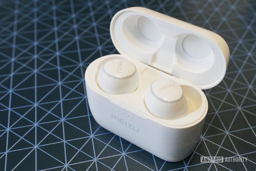 Meizu POP 2 charging case, open