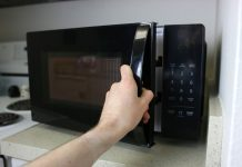 5 reasons you want a voice-controlled microwave
