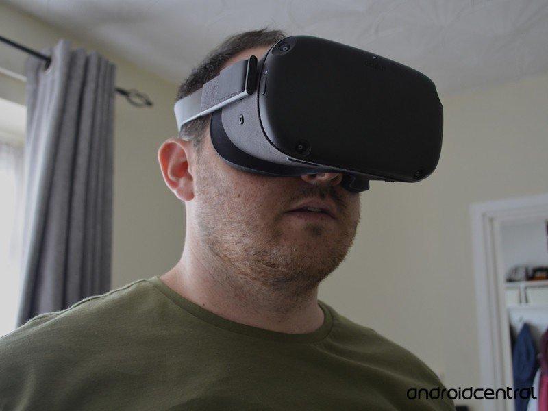 oculus-quest-sean-closeup.jpg?itok=-tLkd