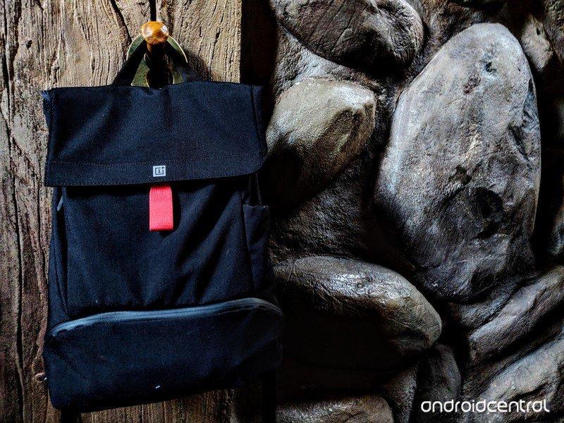 ara-gear-bag-mine-train-door-hanger.jpg?