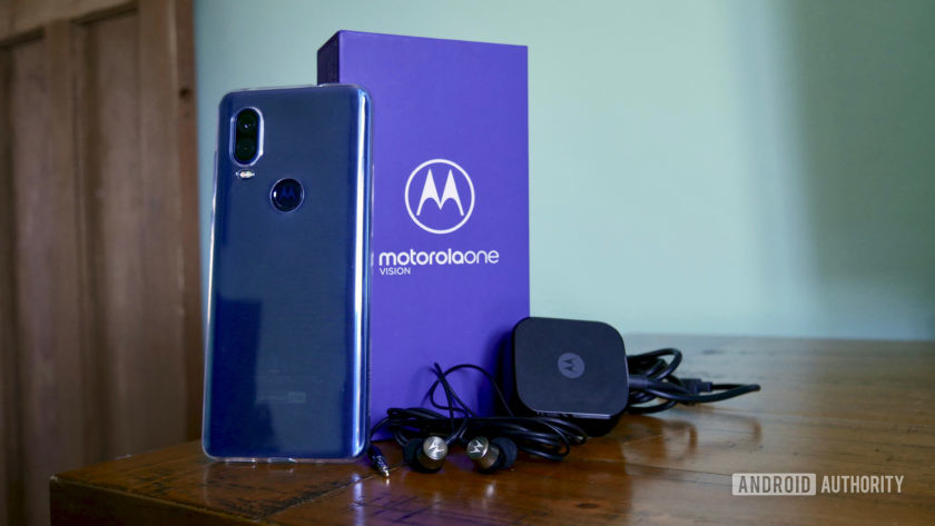 Morotola One Vision box and accessories