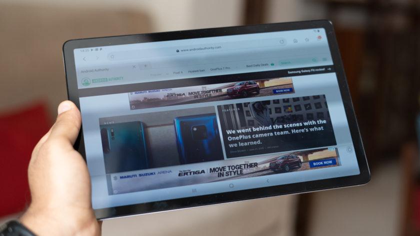 Galaxy Tab S5e in hand