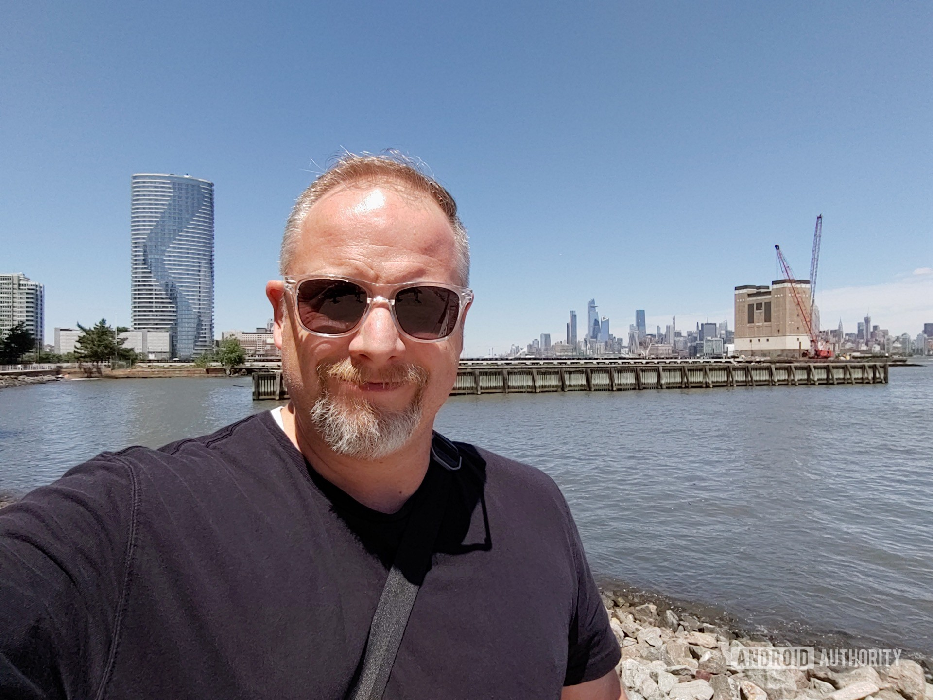 LG V50 ThinQ Review sample photo wide angle selfie