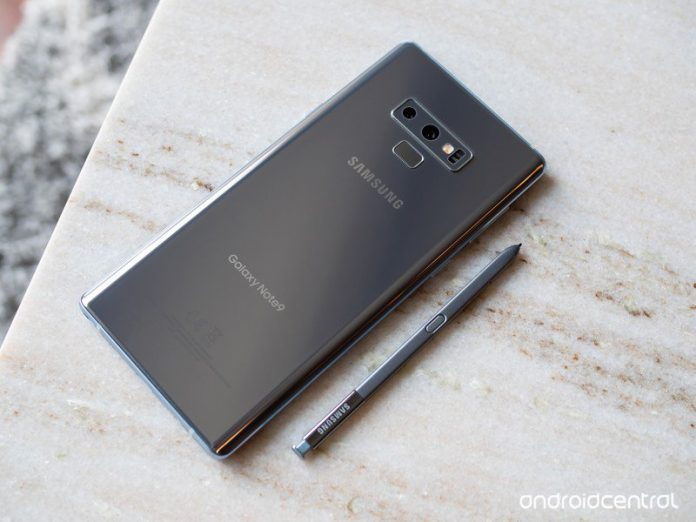 Samsung Galaxy Note 10+ hands-on images confirm centered hole-punch cutout