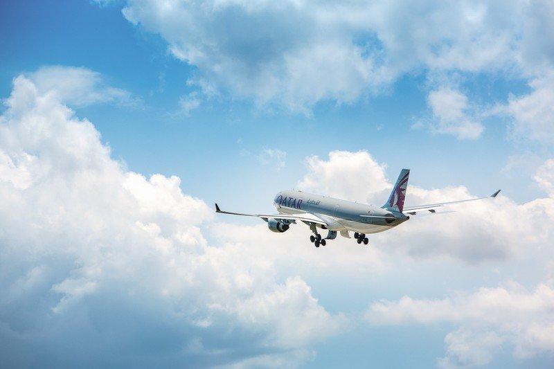 qatar-airways-taking-off.jpg?itok=fx5LFB