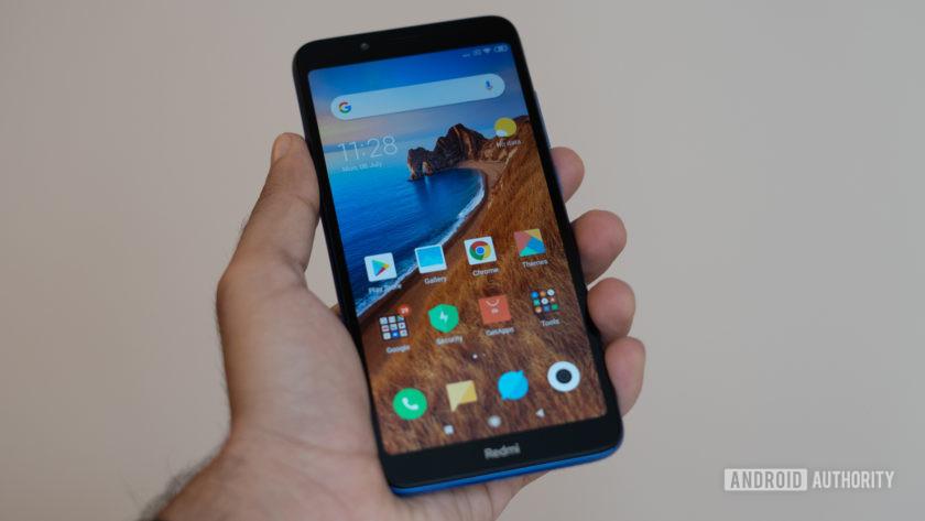 Xiaomi Redmi 7A in hand