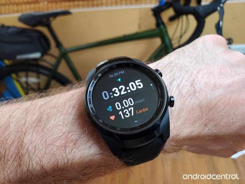 ticwatch-pro-4g-tracking-workout.jpg?ito