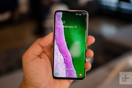Amazon drops $110 discount on the Samsung Galaxy S10e in advance of Prime Day