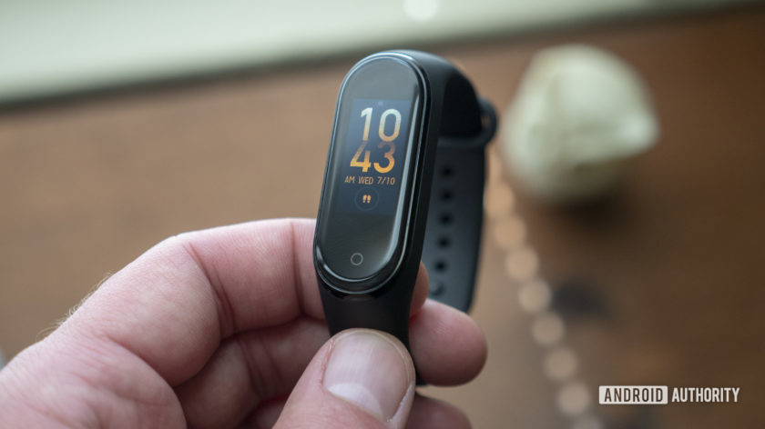 xiaomi mi band 4 review in hand watch face