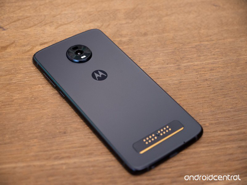 moto-z4-hands-on-5.jpg?itok=R6WgjxNB