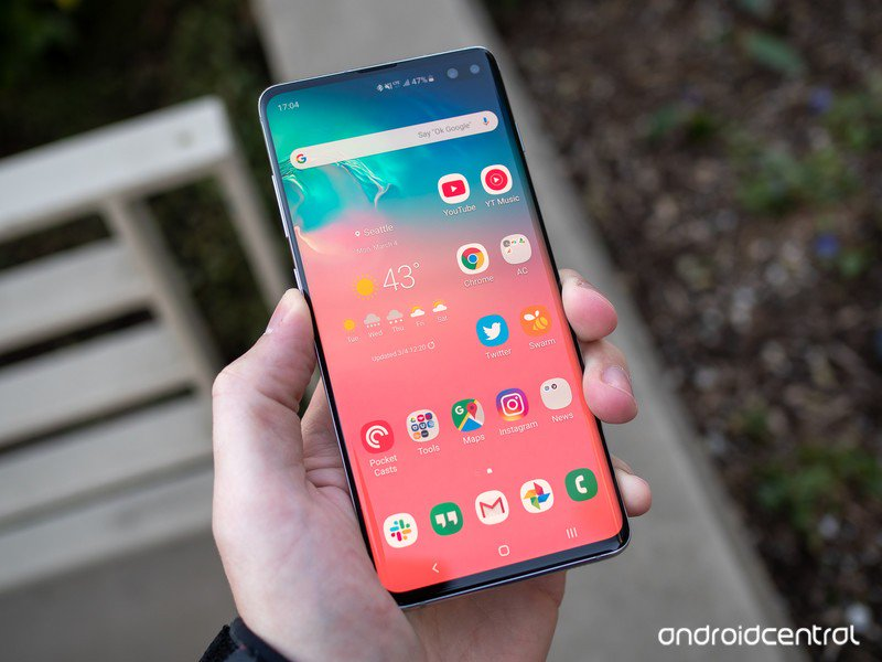 galaxy-s10-plus-in-hand-angle.jpg?itok=x