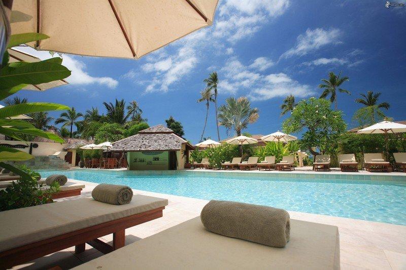 beach-chairs-clouds-hotel-338504.jpg?ito