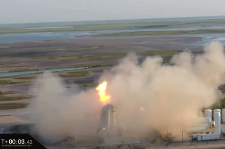 SpaceX's latest Starhopper test goes up in a puff of smoke (again)