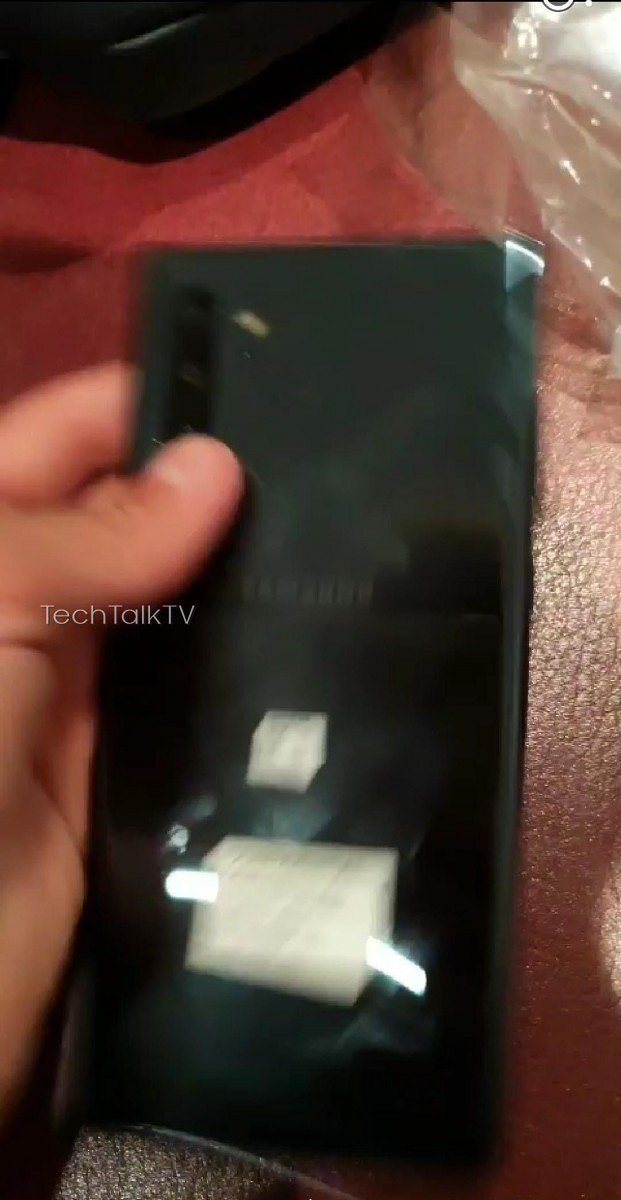 galaxy-note-10-hands-on-3.jpg?itok=ZzWNF