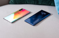 Samsung Galaxy Note 10 Plus Aura Glow vs Samsung Galaxy Note9 Blue at angle
