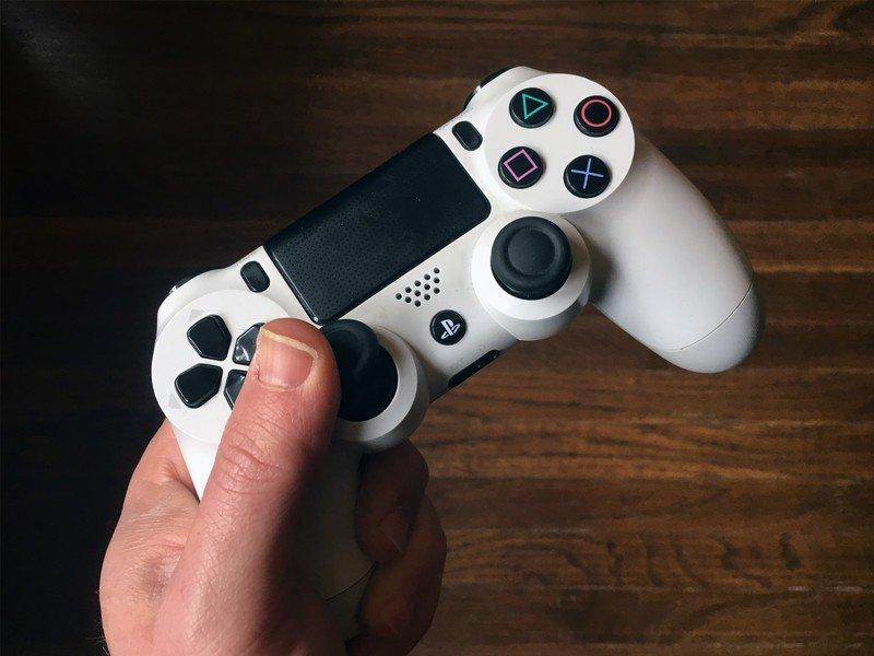 ps4-controller.jpg?itok=2hyiS2Bg