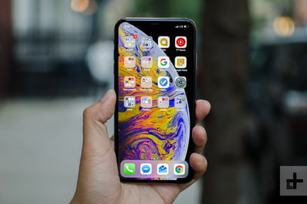 This Amazon-renewed iPhone XS Max saves you $450 on Apple's largest phone