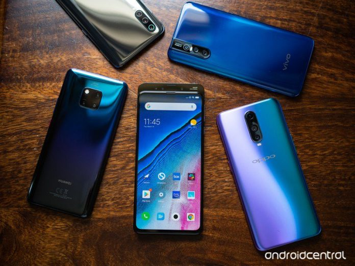 Smartphones, laptops, and game consoles delayed from China tariff list