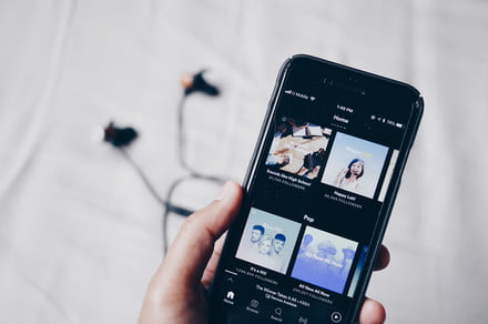 Spotify's favorite speaker feature lets your tunes follow you with just a tap