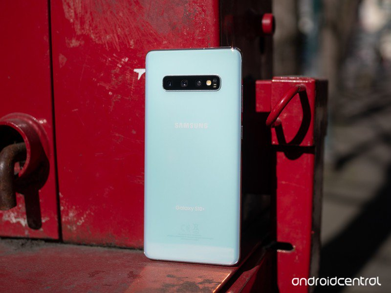 galaxy-s10-plus-white-back-standing.jpg?
