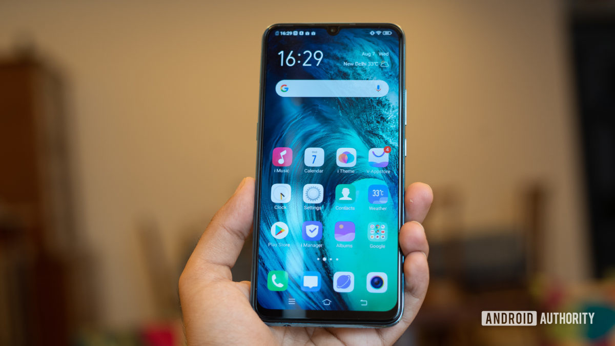 Vivo S1 in hand showing homescreen