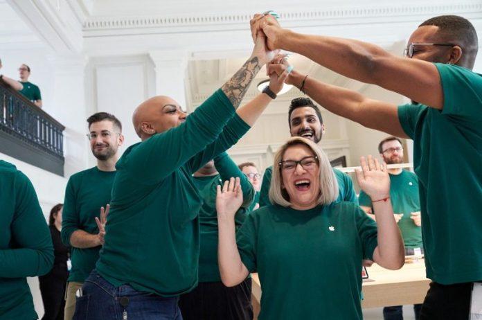 Apple Touts U.S. Impact of 2.4 Million Jobs