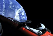 Starman on Tesla Roadster makes first orbit around sun, braces for loneliness