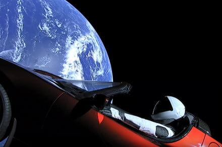 Starman on Tesla Roadster makes first orbit around sun, braces for loneliness
