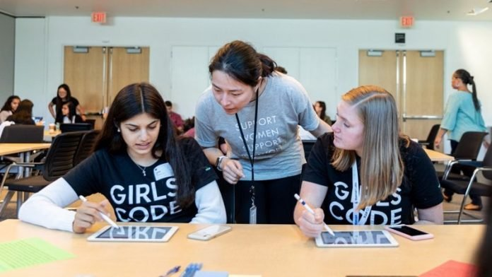 'Girls Who Code' Non-Profit Announces New Swift Curriculum Option