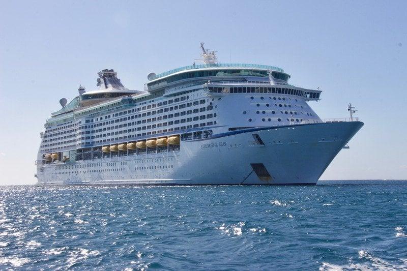 clouds-cruise-cruise-ship-813011.jpg?ito