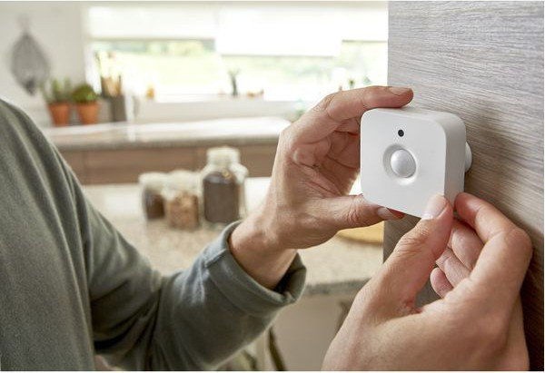 philips-hue-smart-motion-sensor-header.j