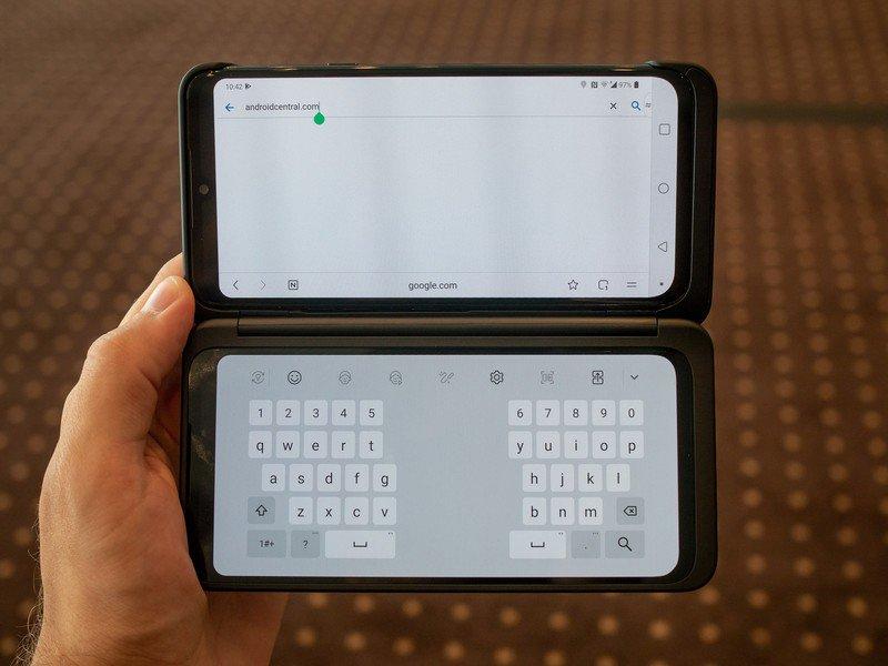lg-g8x-dual-screen-chrome-keyboard.jpg?i