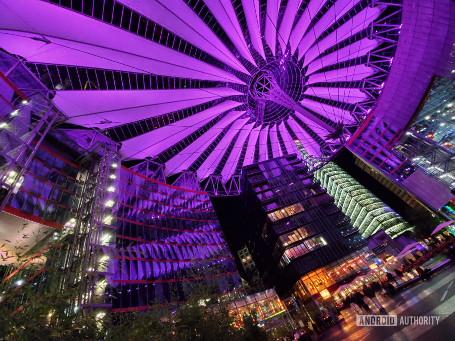 Samsung Galaxy Note 10 Plus camera review color Sony Center