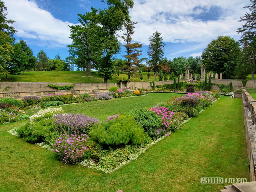 Samsung Galaxy Note 10 Plus camera review landscape secret garden