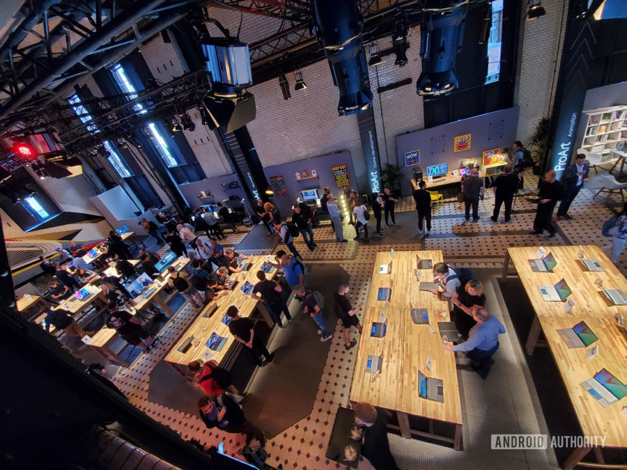 Samsung Galaxy Note 10 Plus camera review HDR event space