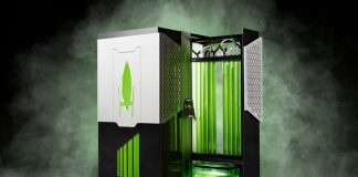 New algae-based bioreactor can swallow carbon dioxide 400x faster than trees