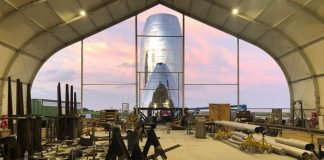 Elon Musk shares a new look at the SpaceX rocket he wants to send to Mars