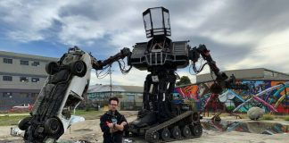 15-ton fighting robot now for sale on eBay, but watch out for shipping costs