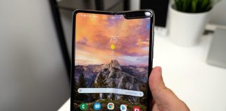 Hands-On With Samsung's New Galaxy Fold