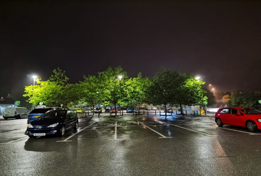 Huawei Mate 30 Pro Camera test Night shot of supermarket car park