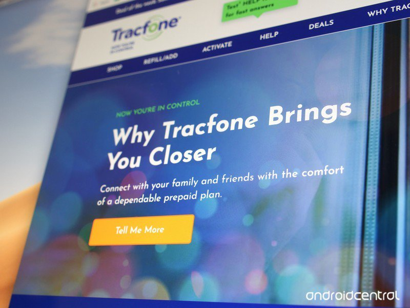 tracfone-website-hero-2019-joe.jpg?itok=