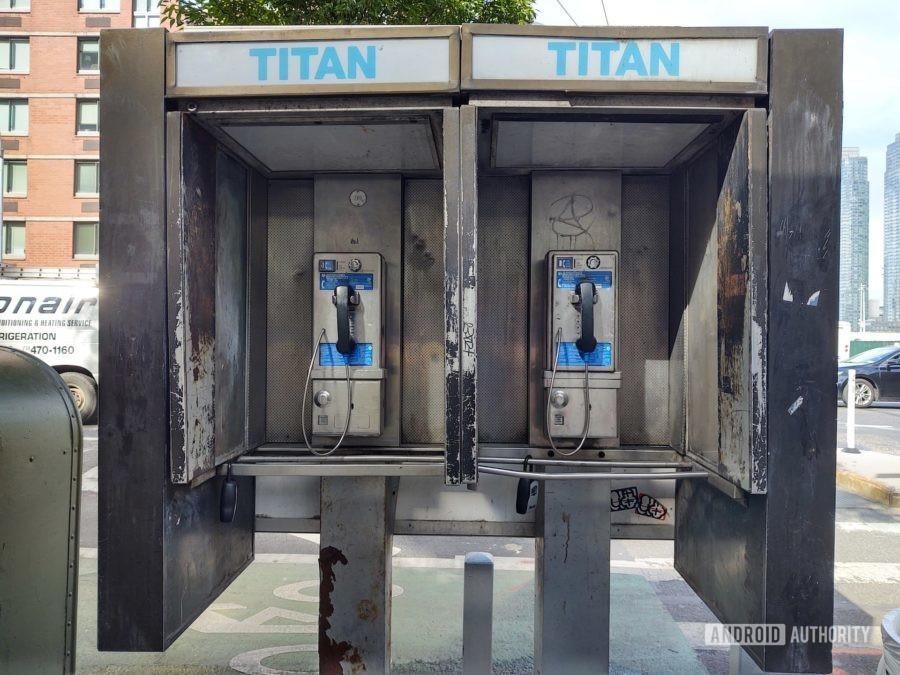 Motorola One Zoom review photo sample phone booth