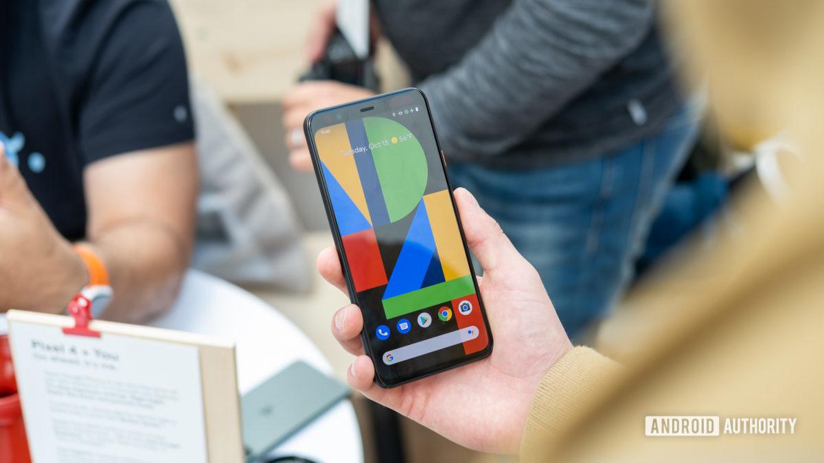 Pixel 4 XL screen in hand 3
