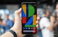 Pixel 4 XL screen in hand 4