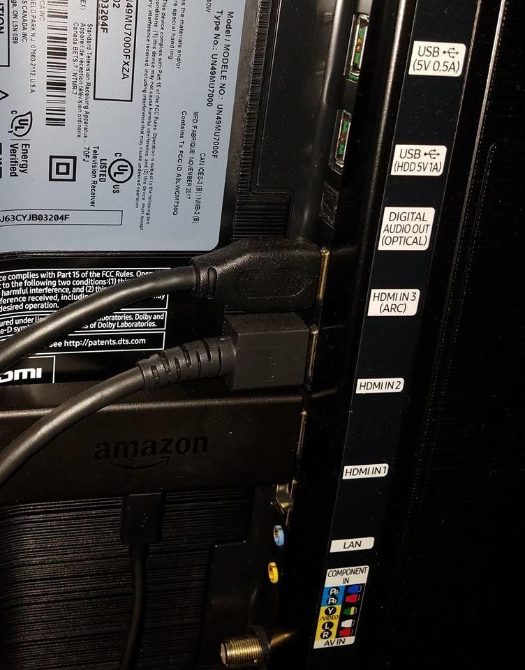 hdmi-ports-samsung-mu7000.jpg?itok=3ezWi